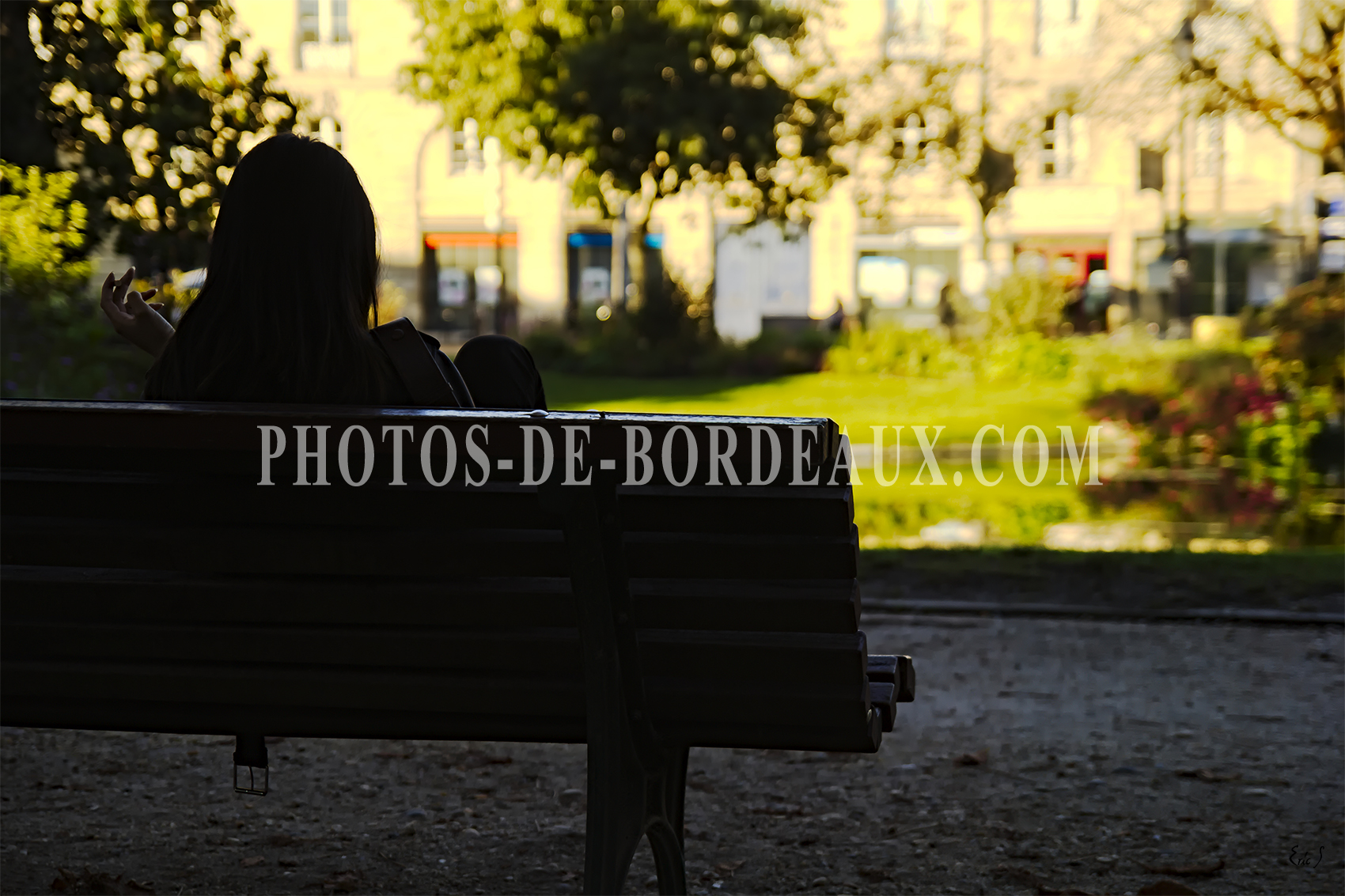 La Fille de la Place Gambetta Bordeaux